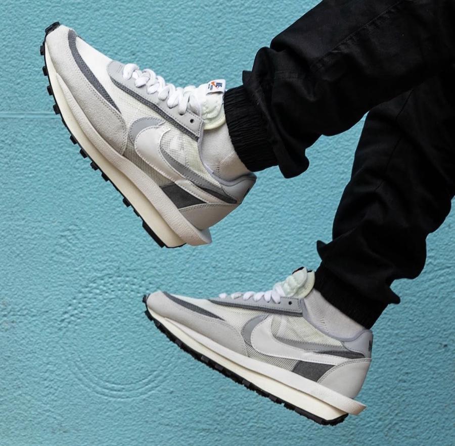 Đôi giày sacai x Nike LDV waffle white grey