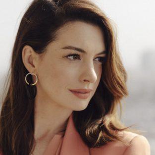 """Anne Hathaway: Nàng công chúa """"hoàn hảo"""" đến mức bị ghét bỏ"""