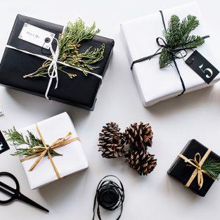 Gợi ý chọn quà Giáng Sinh 2019 tặng người thân và bạn bè