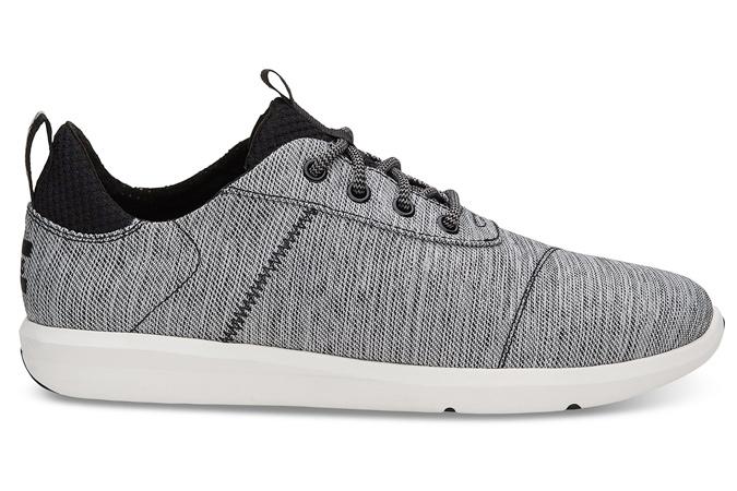 thương hiệu giày thể thao Toms