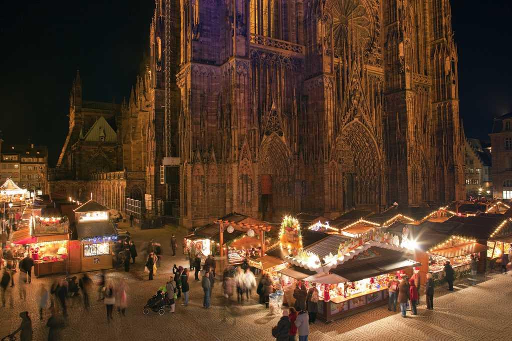 Hãy thử trải nghiệm không gian bên dưới nhà thờ chính toàn Strasbourg