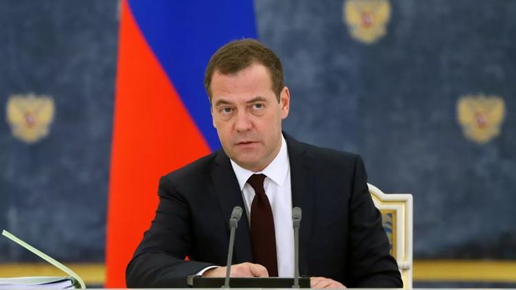 Dmitry Medvedev-elleman-1219
