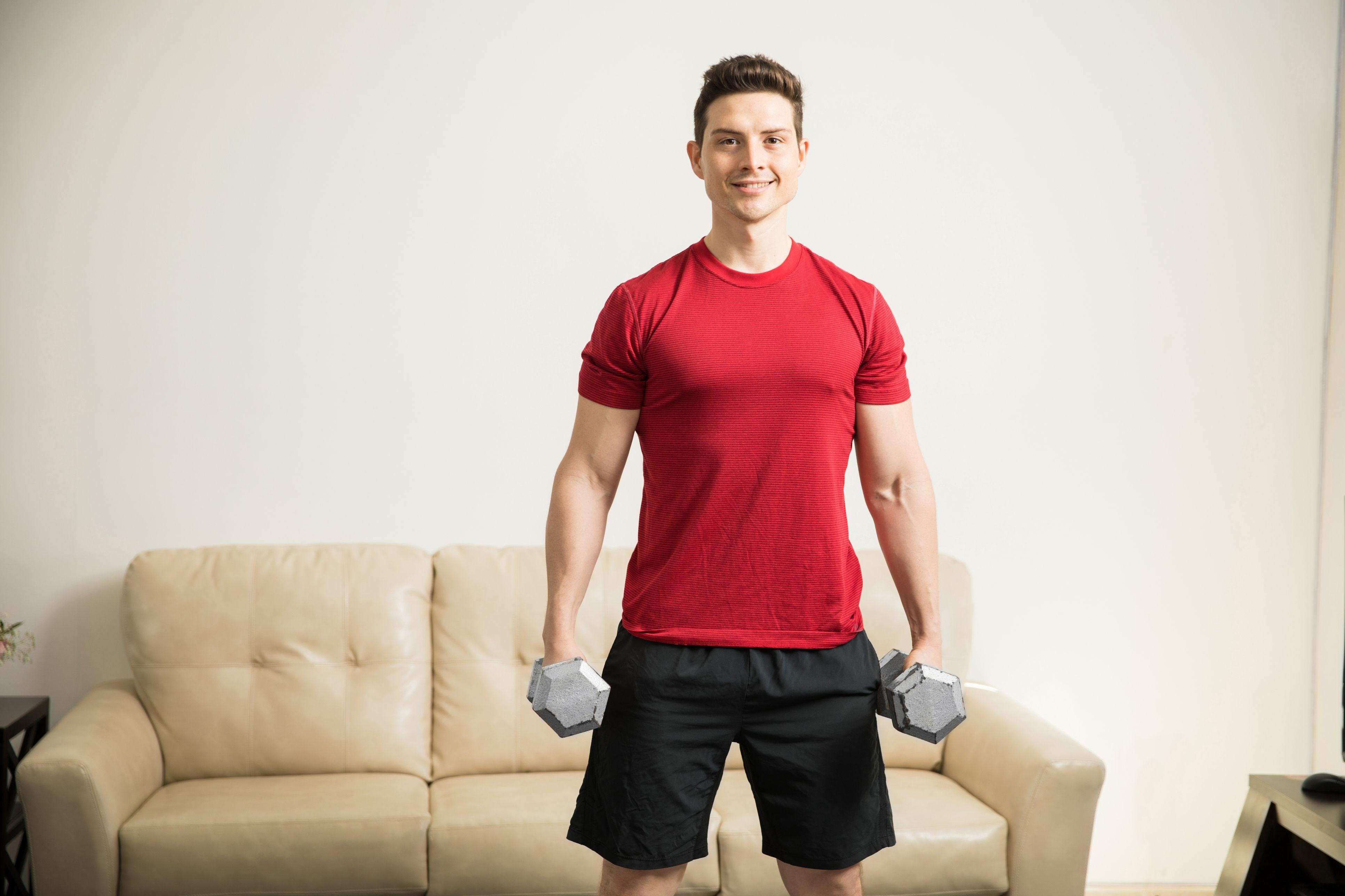 home dumbbell workout-tap ta tai nha-elleman-0120-