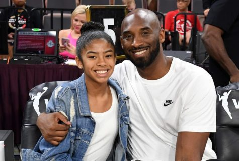 Tin buồn: Huyền thoại bóng rổ NBA Kobe Bryant qua đời cùng con gái trong tai nạn máy bay trực thăng