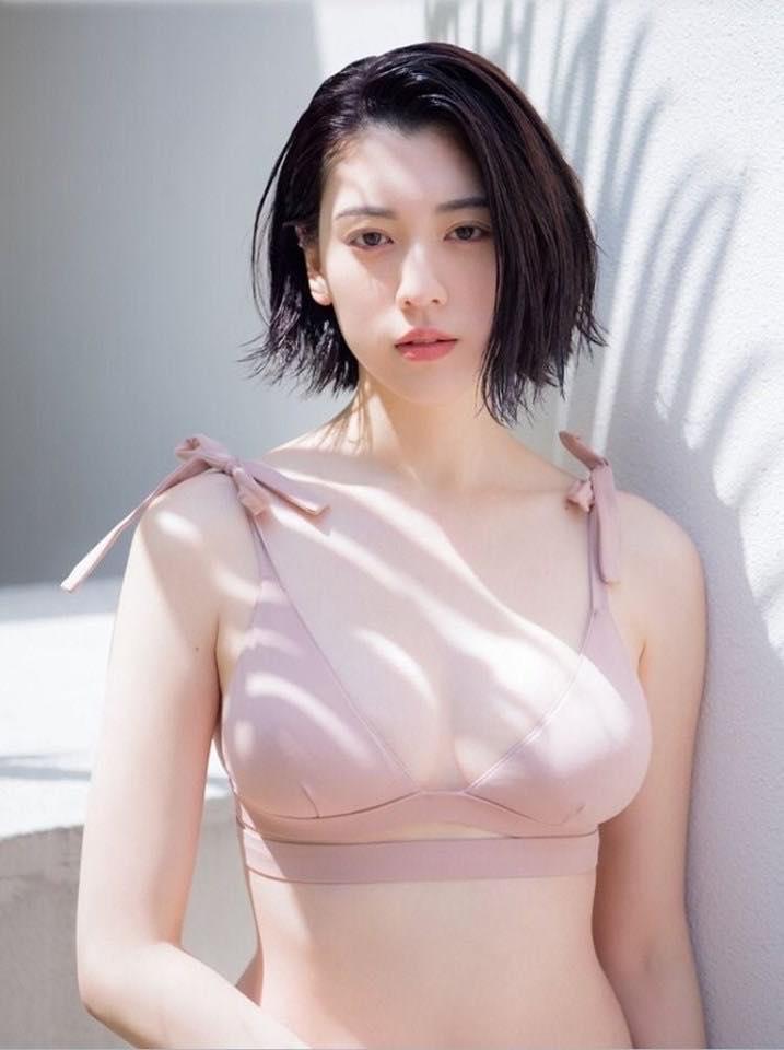 dien vien ayaka miyoshi-elleman-0220