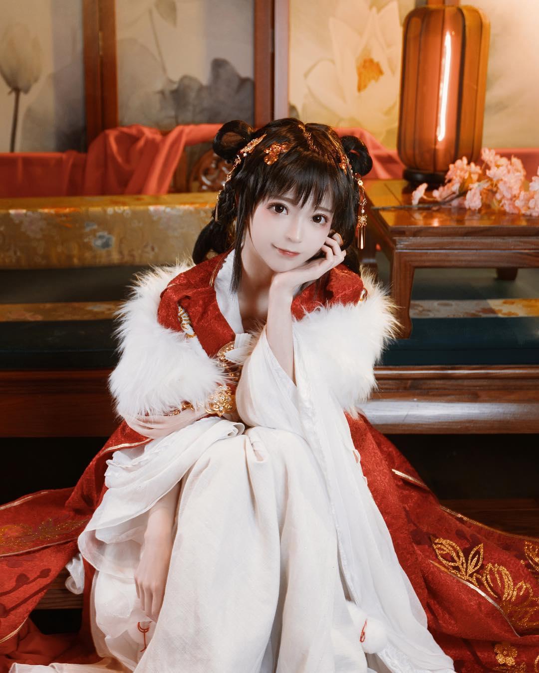 nữ cosplay 2 - yurisa dễ thương