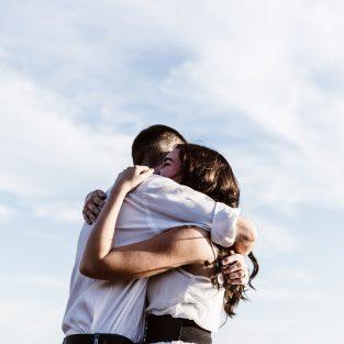 Tình yêu đích thực thời 4.0: Chọn con tim hay lắng nghe lý trí?