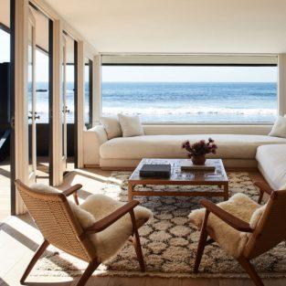 Khám phá không gian sống tại bãi biển Malibu của Jason Statham