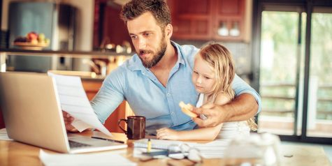 Làm việc tại nhà mùa dịch Corona: Làm sao để cân bằng công việc và gia đình?