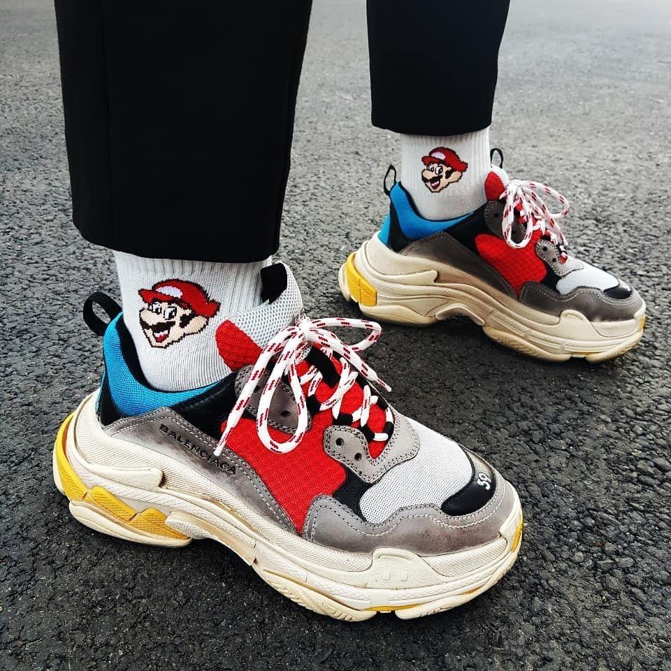 giay chunky sneaker balenciaga triple s - elle man