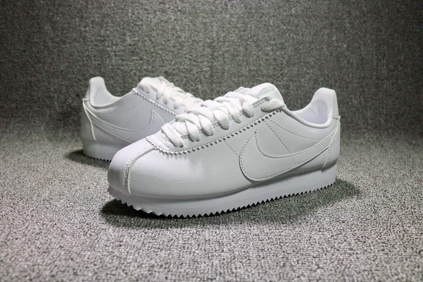 12-giay-sneaker-trang-elleman