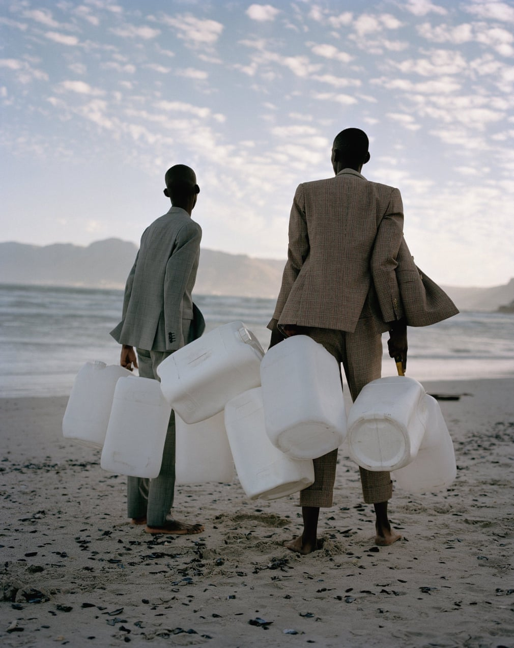 anh noi bat covid Theo and Azah in Cape Town - elle man