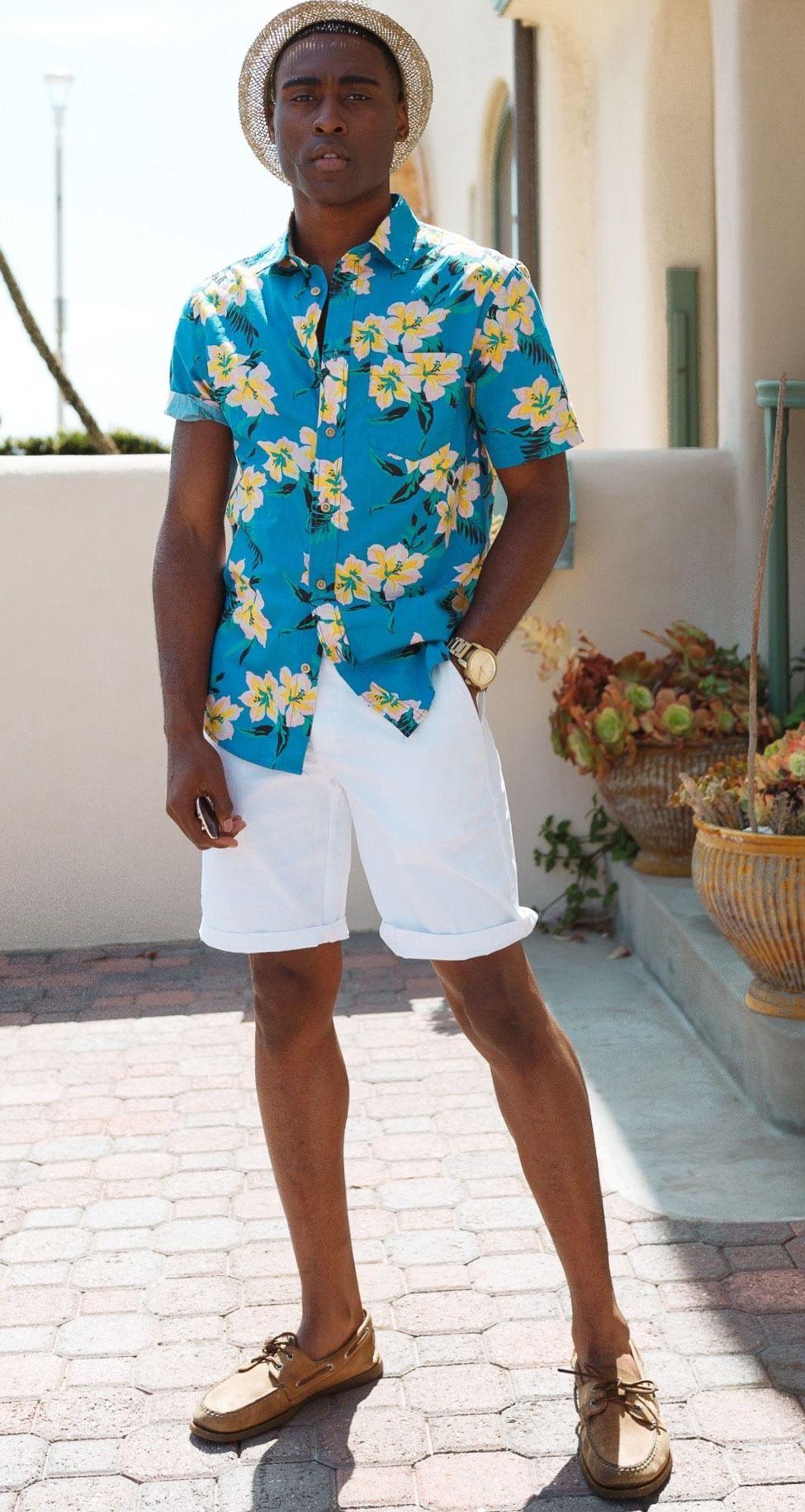 áo hawaii xanh quần shorts trắng