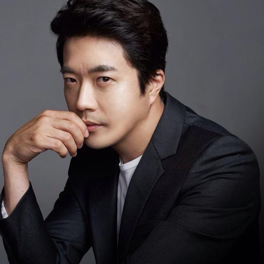 2-kwon-sang-woo-elleman