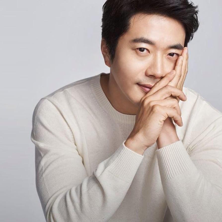 3-kwon-sang-woo-elleman