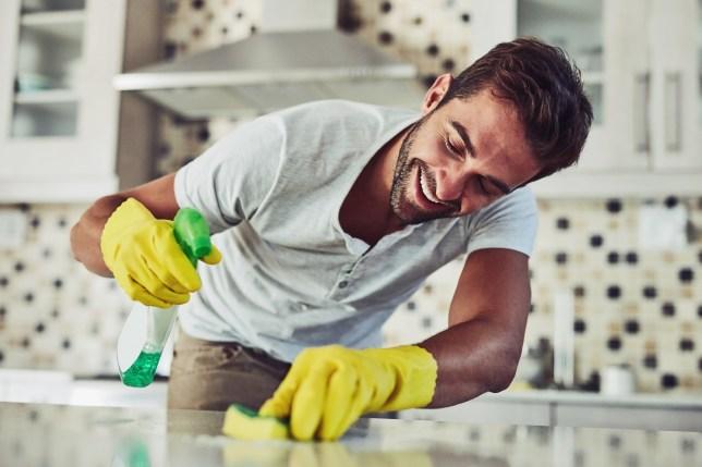 cách tiết kiệm nam làm việc nhà