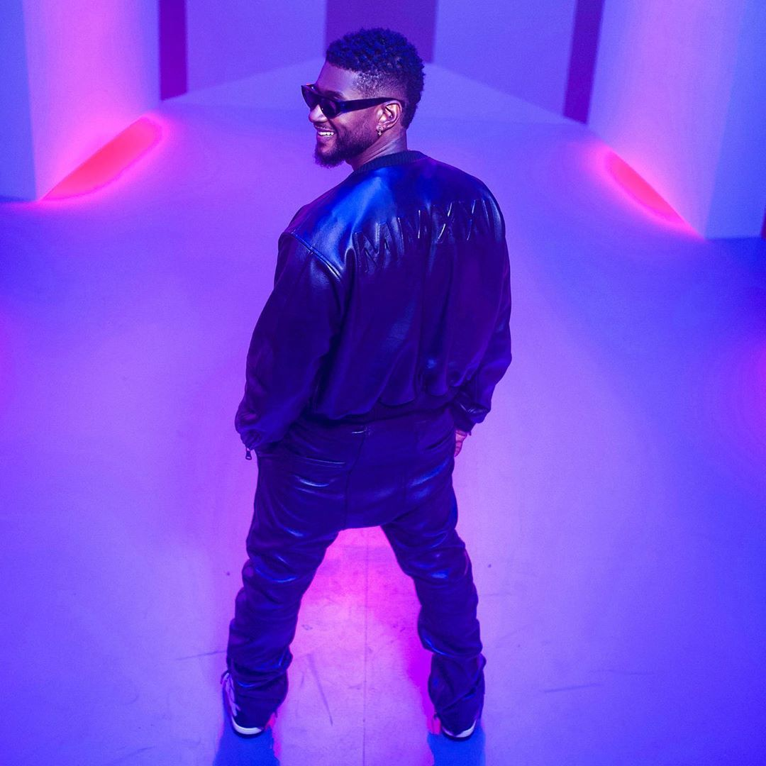 outfit của usher