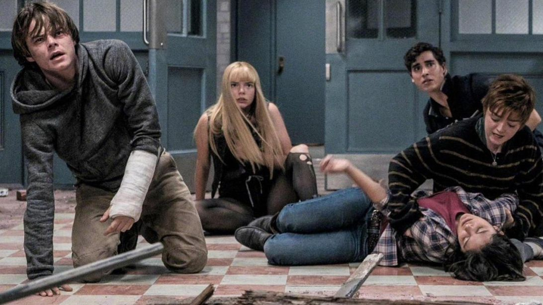 cảnh các nhân vật chào sân trong phim the new mutants