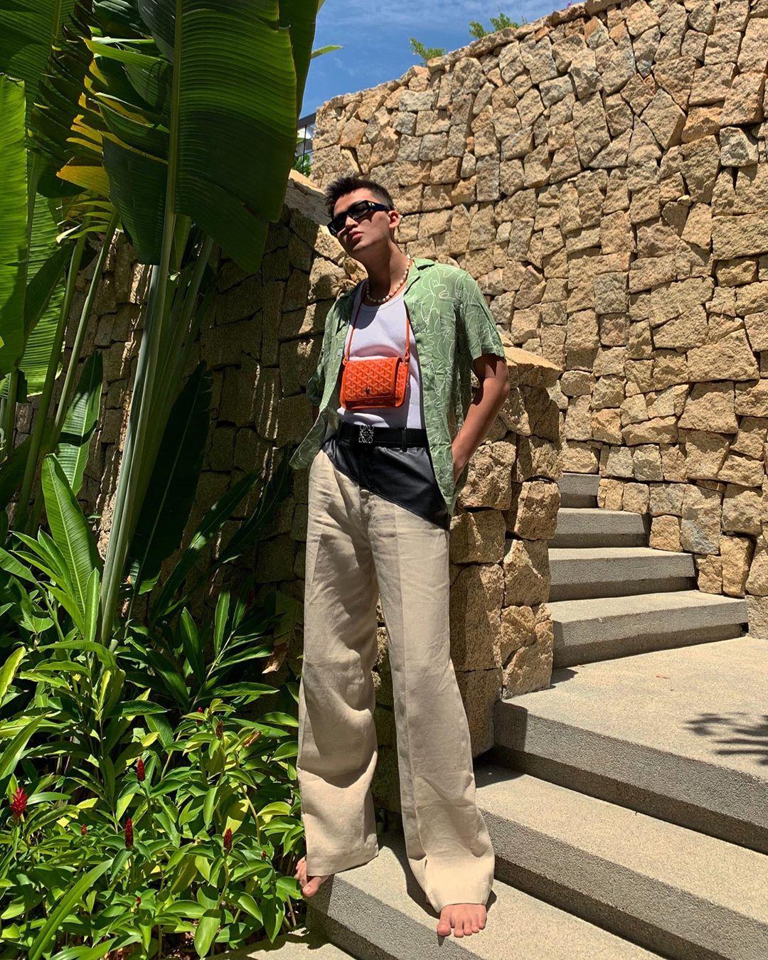 kenshj phạm mặc đồ tropical