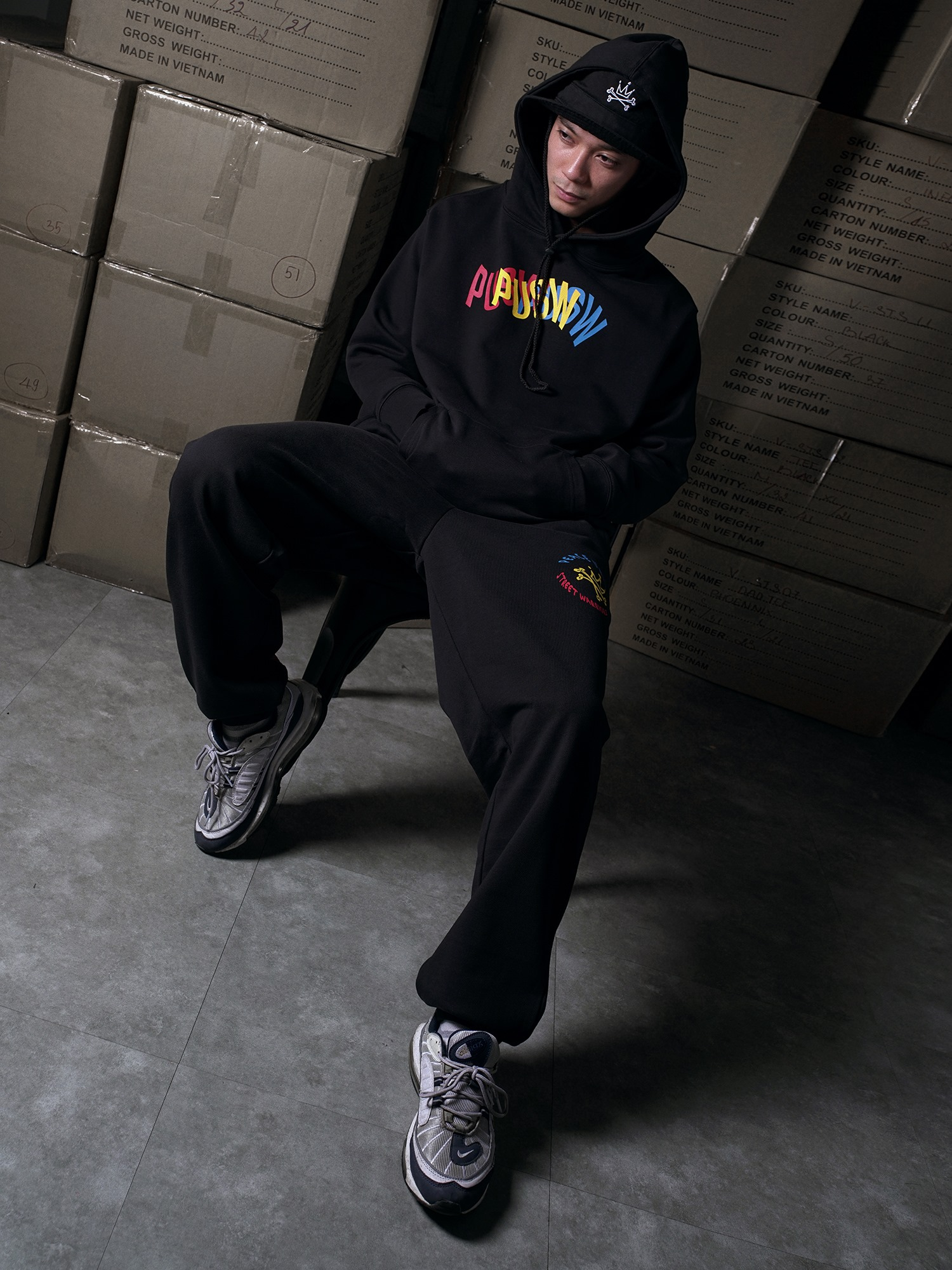 phối đồ với áo hoodie nam - PUSW