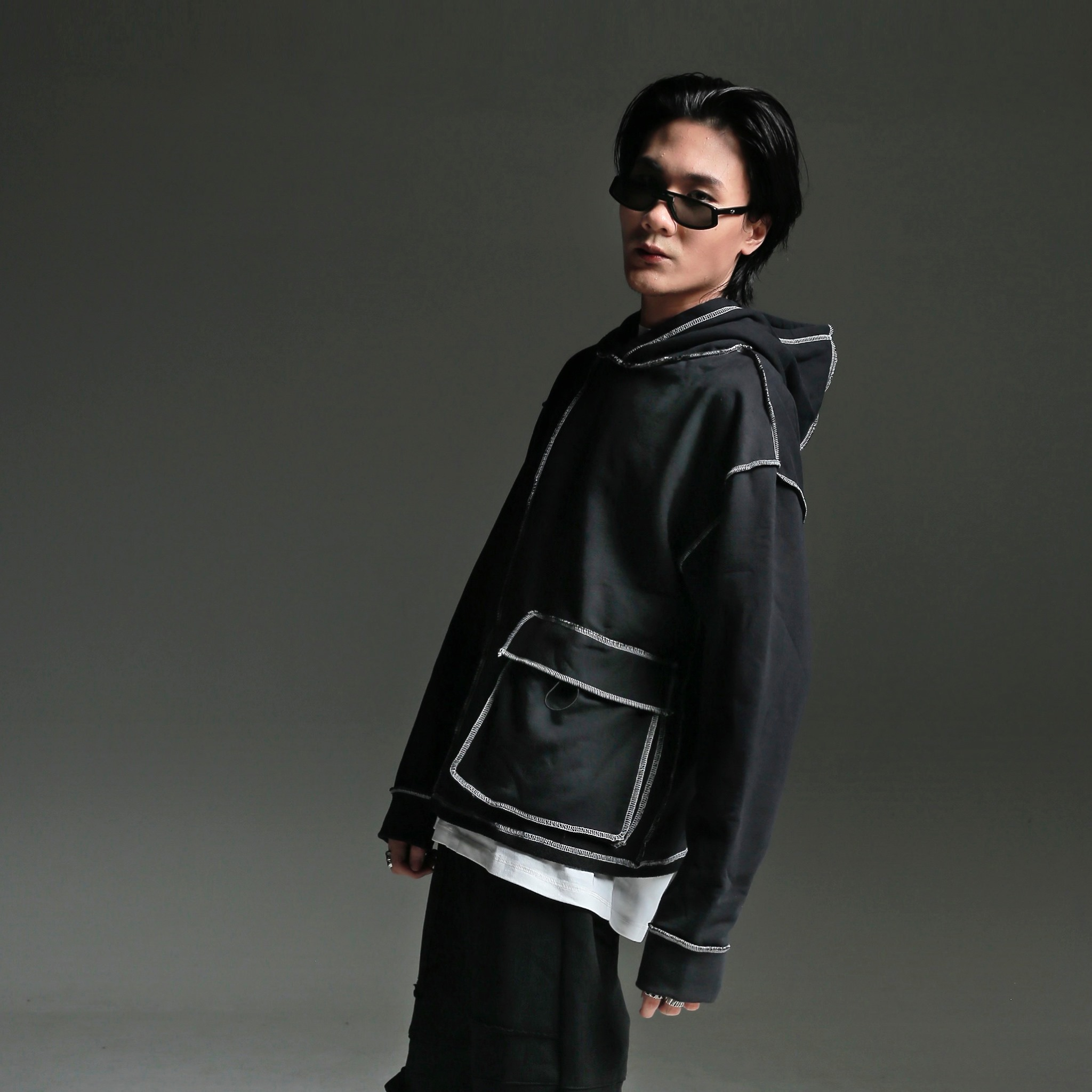 phối đồ với áo hoodie nam - sixty