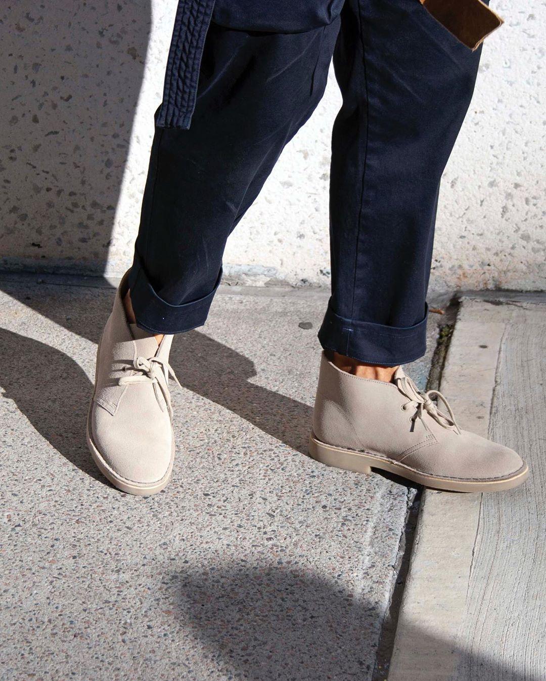 giày chukka boots màu xám