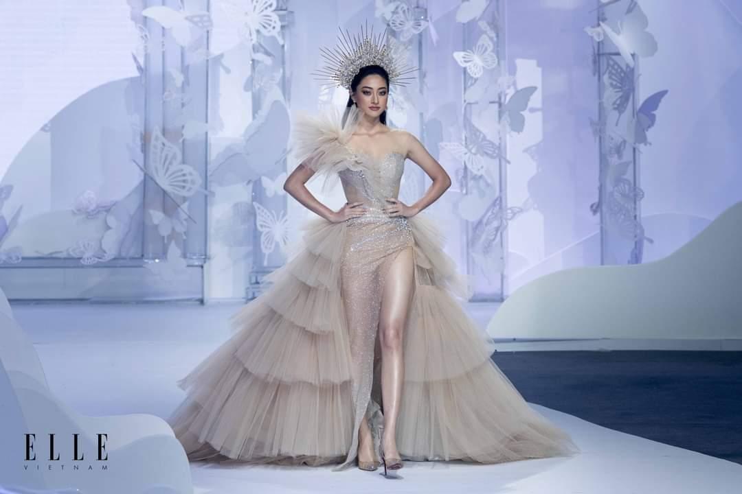 Elle wedding art gallery vay xep tang
