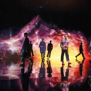 BST Dior Men mùa Thu 2021: Giới hạn nào cho thời-không và những điều bất ngờ từ Kim Jones?
