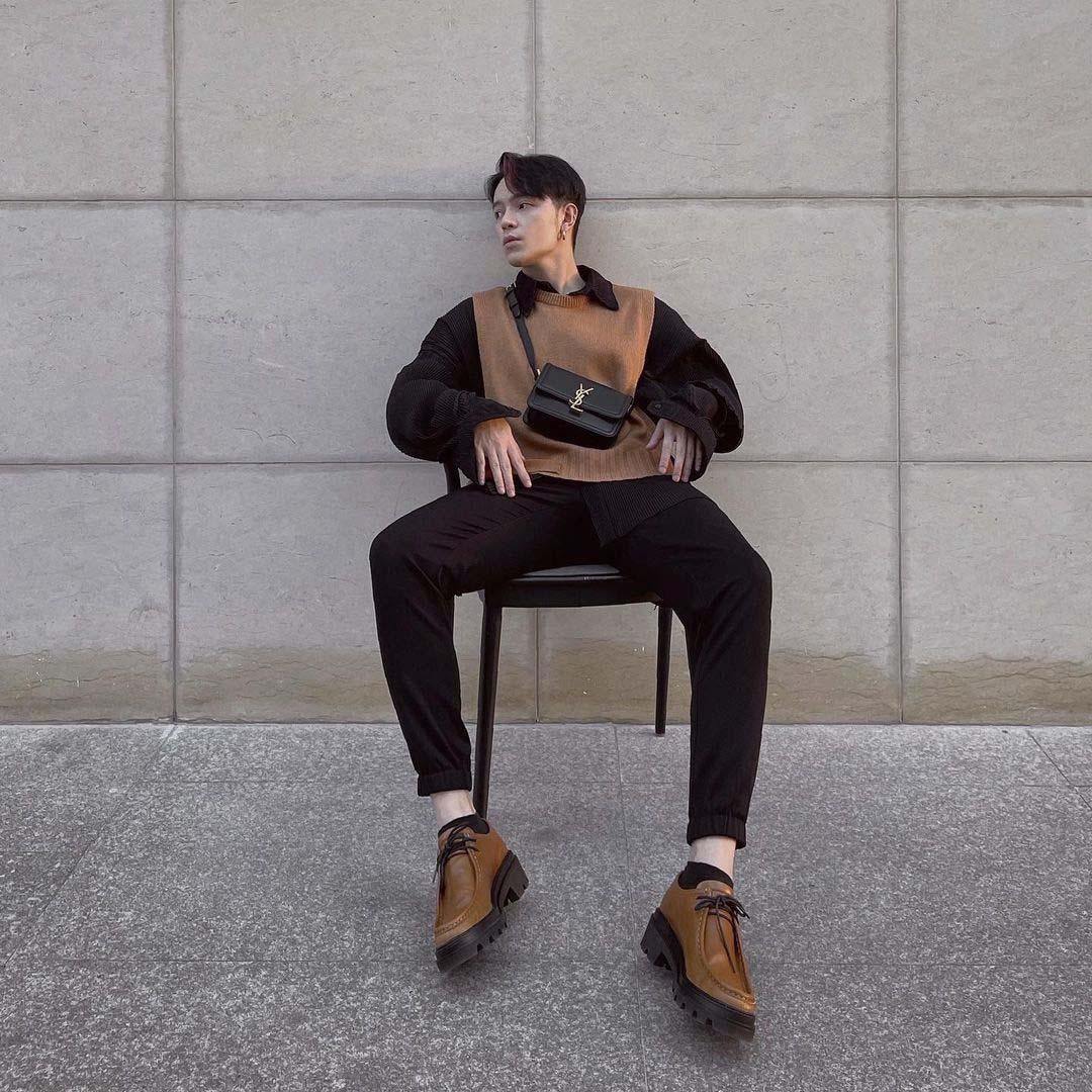 thời trang sao kelbin đồ nâu - đen
