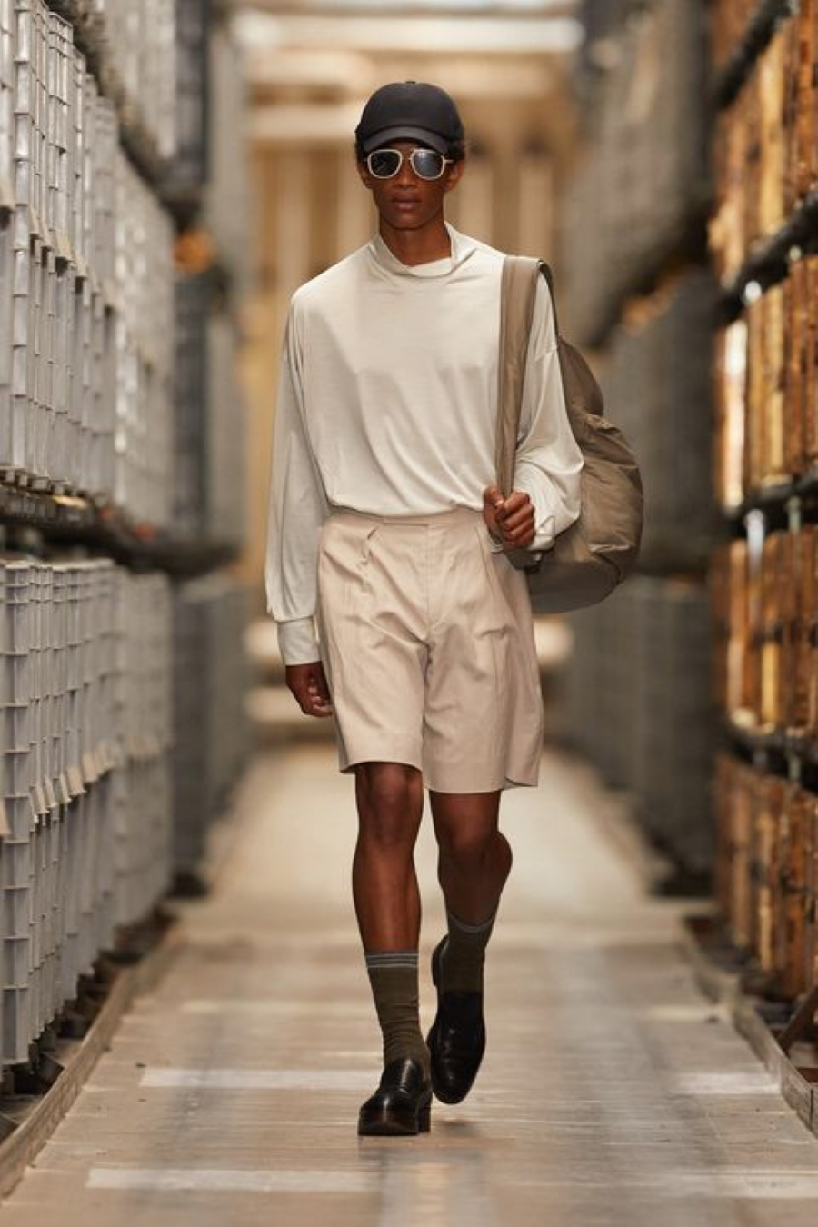 quan short bermuda - elleman - 0421 - elle man style calendar - smart casual - cr fashion book