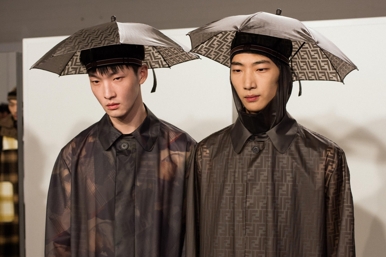 thoi trang di mua - elle man - style calendar #3 - fendi umbrella - dazed