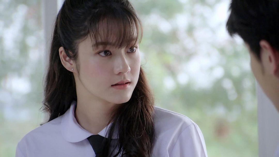 nu chinh Namtan Tipnaree trong who are you ban thai lan - elle man