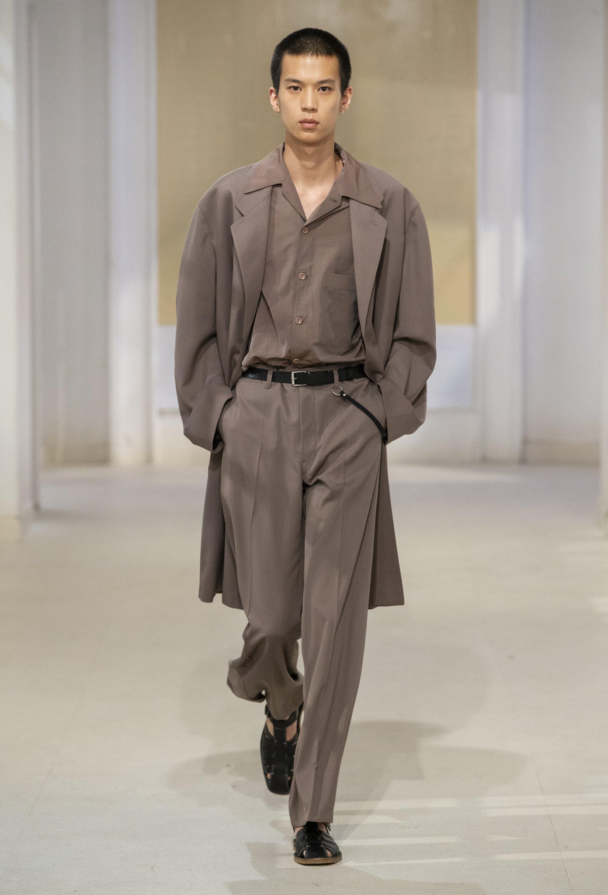 trang phuc linen - elle man style calendar - lemaire
