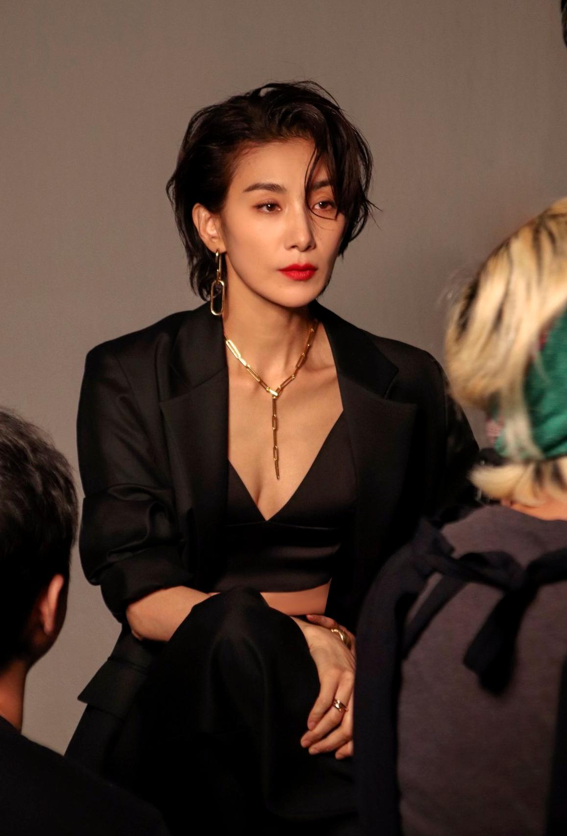 dien vien kim seo hyung elle 5 fly up