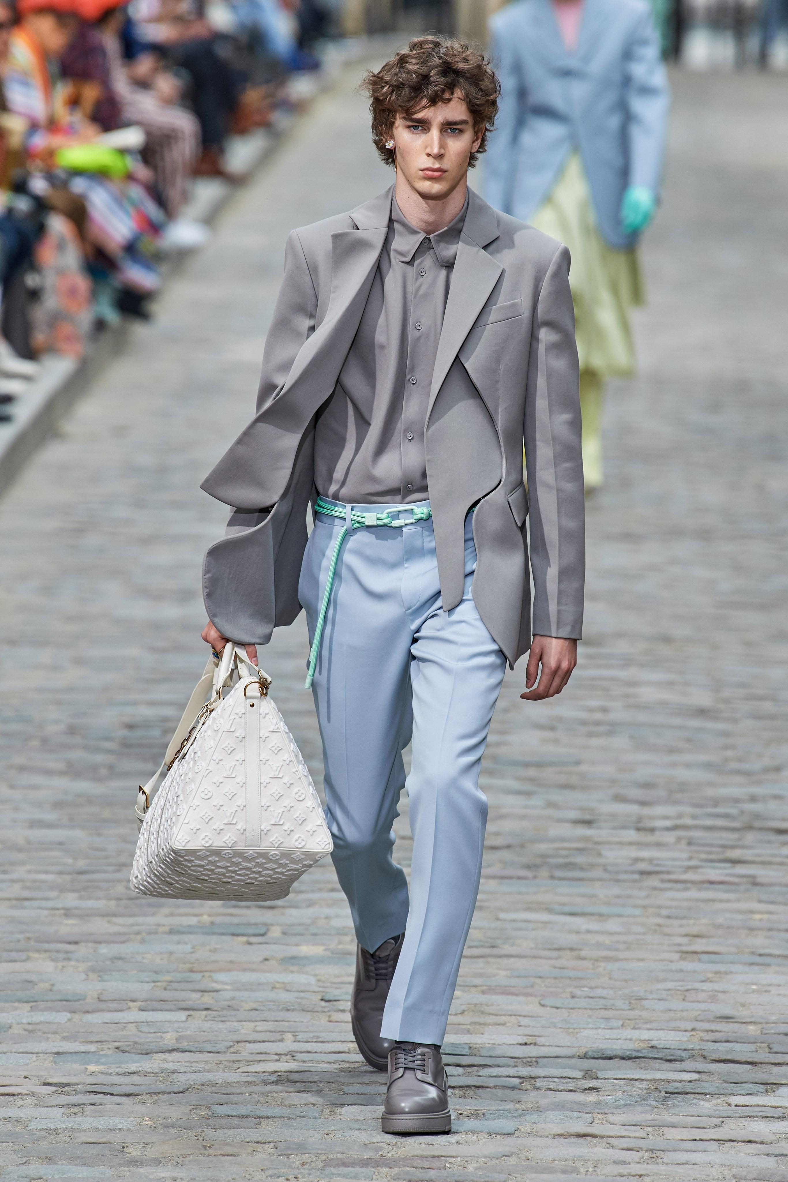 trang phuc pastel - elle man style calendar - 0621 - suit louis vuitton ss20