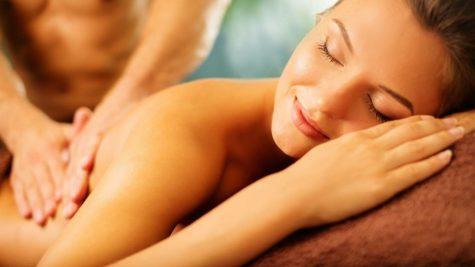 """Massage tại nhà - bí quyết dạo đầu khiến nàng """"đê mê"""""""