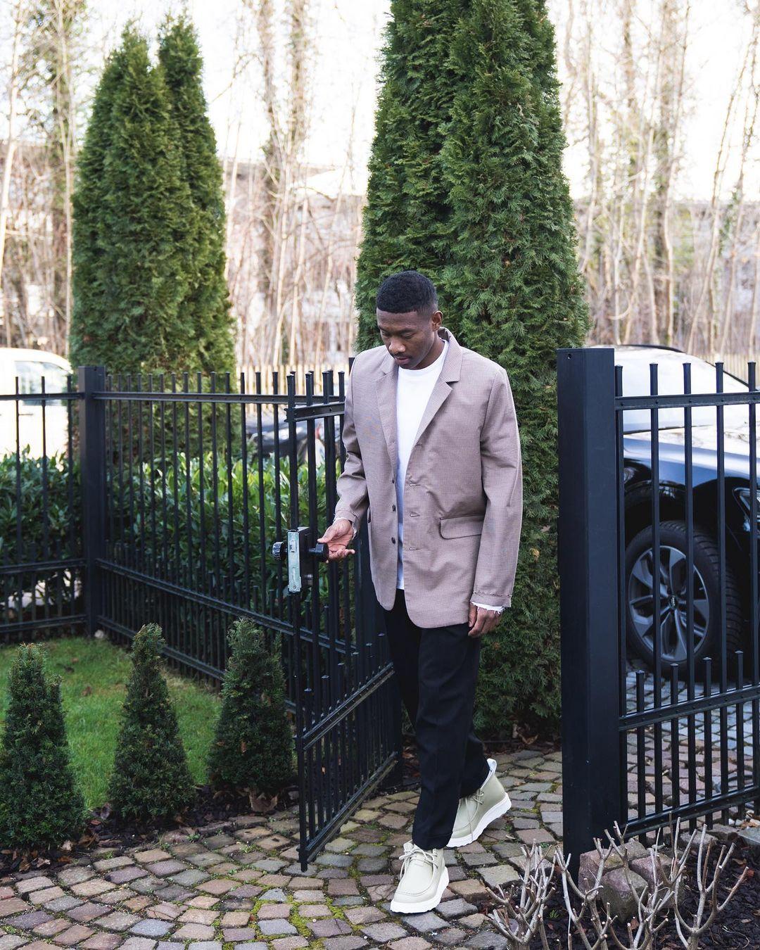 David Alaba cùng một outfit pastel