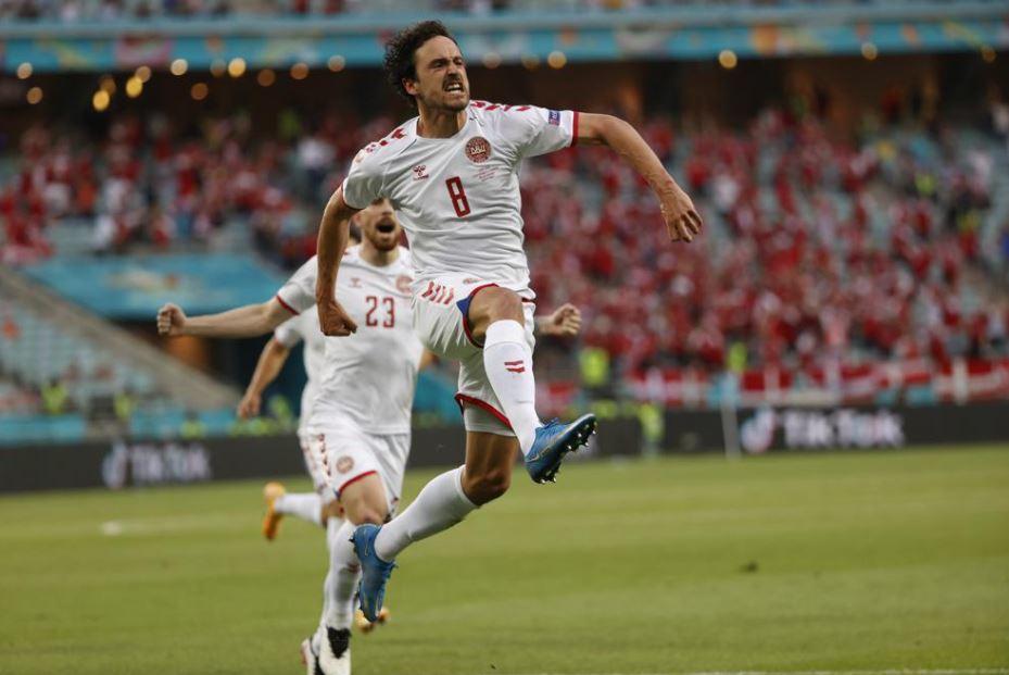 Delaney ăn mừng trận Đan Mạch vs CH Séc euro 2020.