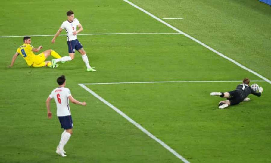 Pha cứu thua của Jordan Pickford Anh vs Ukraine tại Euro 2020.