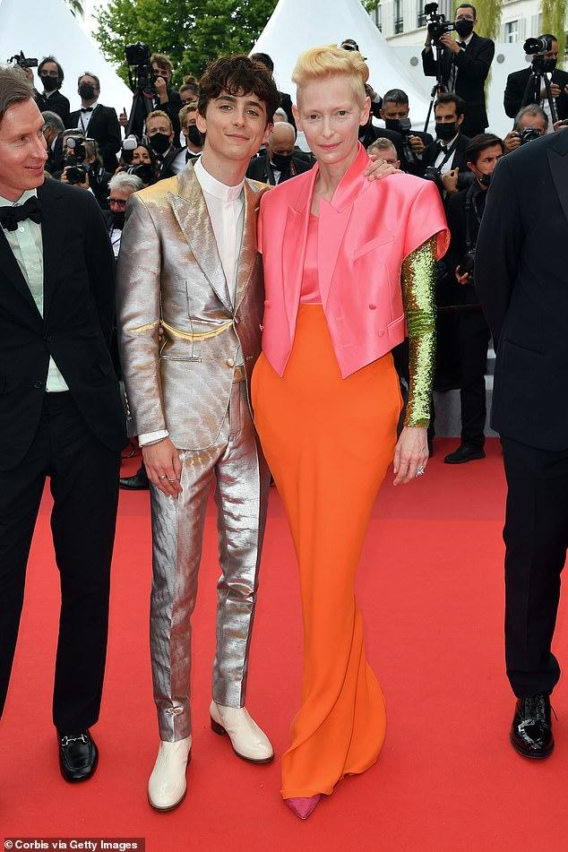 thời trang Timothee Chalamet và Tilda Swinton tại cannes 2021