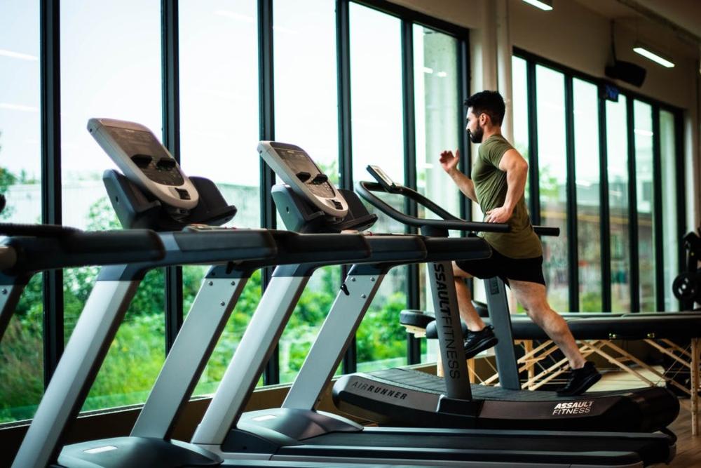 Tập thể dục cường độ cao giảm mỡ bụng