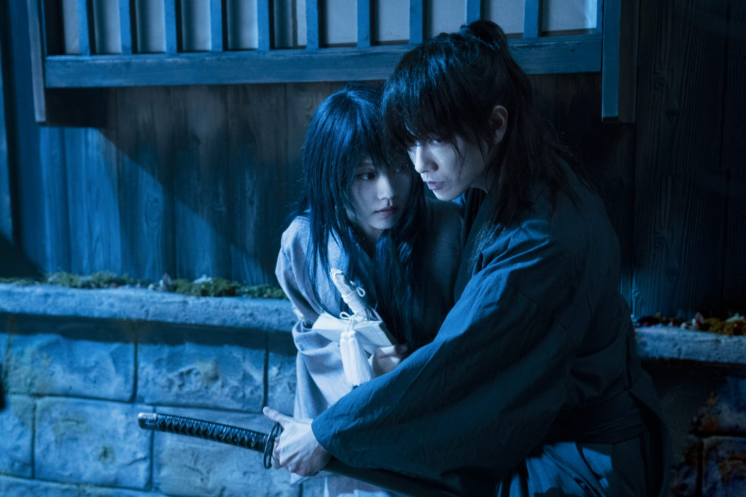 Rurouni Kenshin và Tomoe.