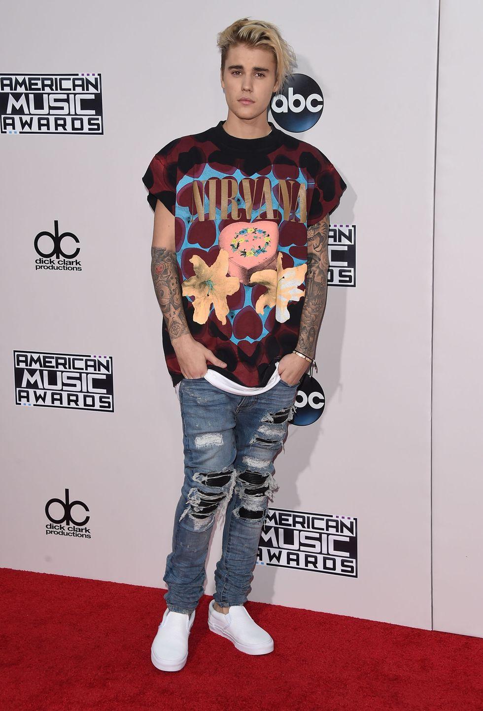 Justin Bieber trong bản phối theo phong cách Grunge đậm chất Fear Of God