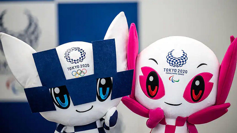 Linh vật của kỳ Olympic Tokyo 2020 Nhật Bản là Miraitowa (mắt xanh) và Someity (mắt đỏ) được thiết kế theo phong cách anime và manga (ảnh: Philip Fong/Getty Images)