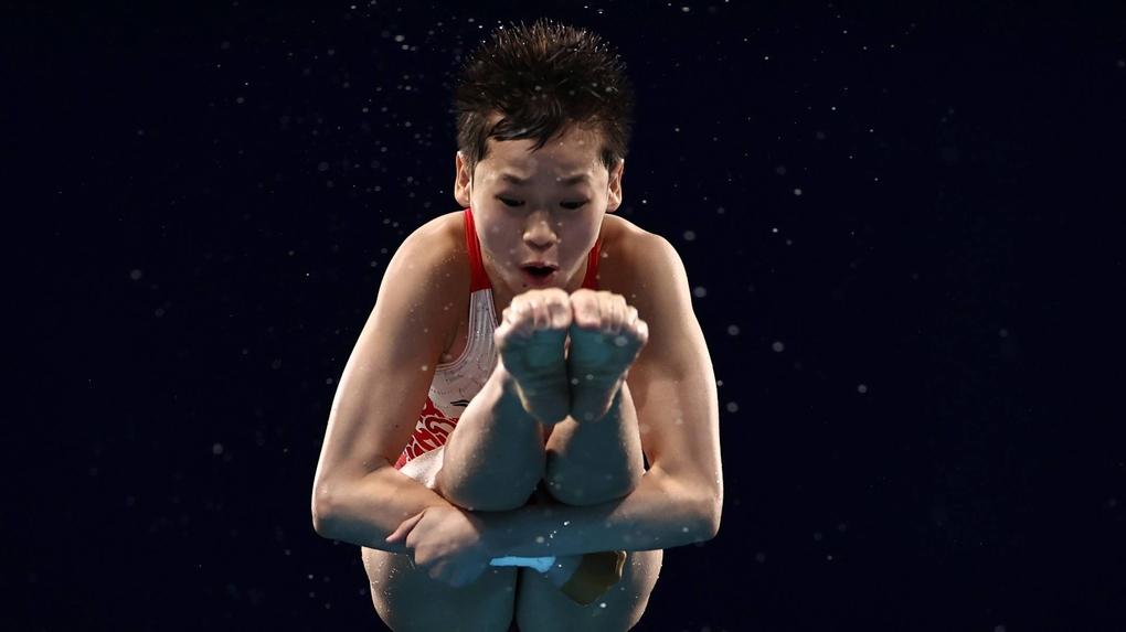 Toàn Hồng Thiền là vận động viên trẻ thứ hai đoạt huy chương vàng ở Olympic 2020, sau Momiji Nishiya. Ảnh: Reuters