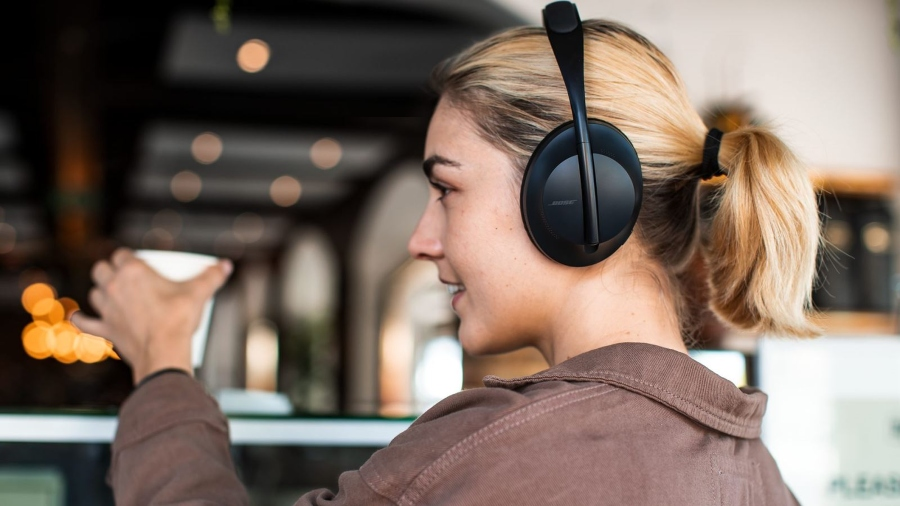 Bose Noise Cancelling 700 tai nghe