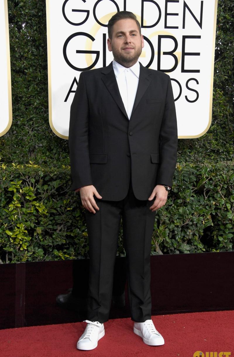 Phong cách thời trang đầy lịch lãm nhưng vẫn rất trẻ trung của Jonah Hill tại Lễ trao giải Golden Globes 2017