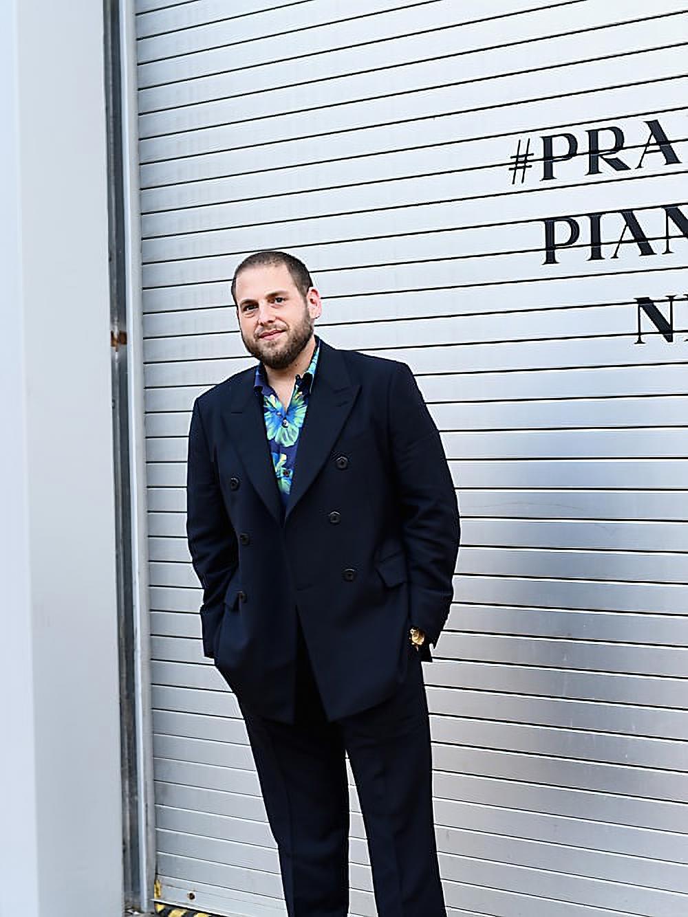 Jonah Hill cùng bộ trang phục Prada