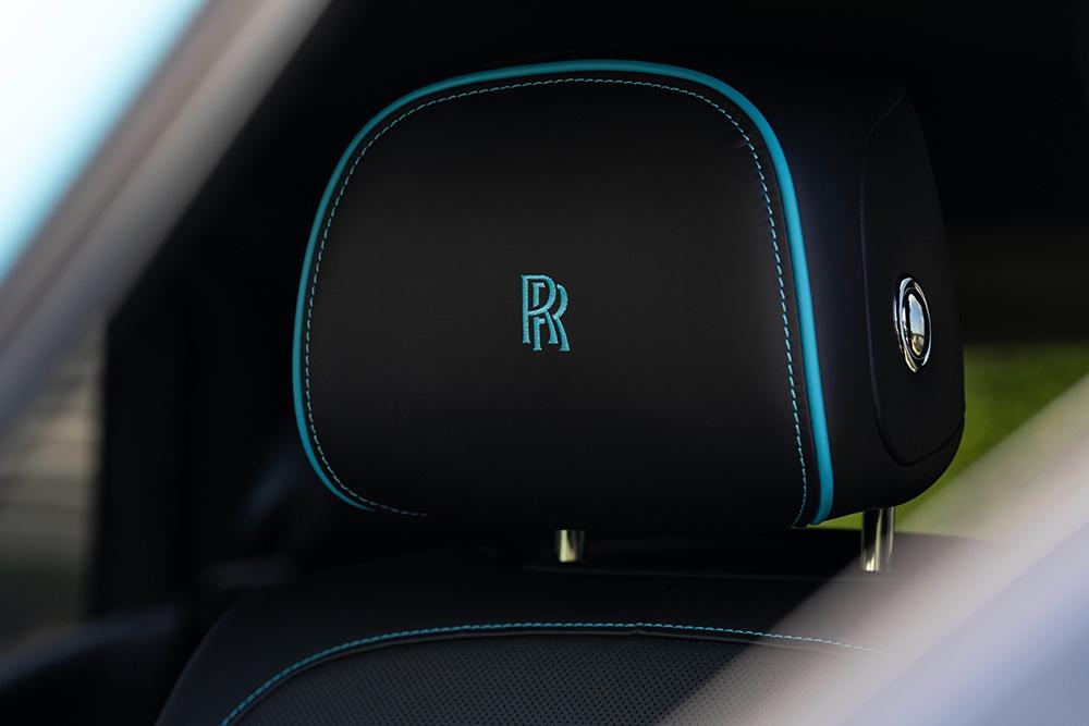 "Rolls-Royce Black Badge Cullinan màu ""Ice Turchese"""