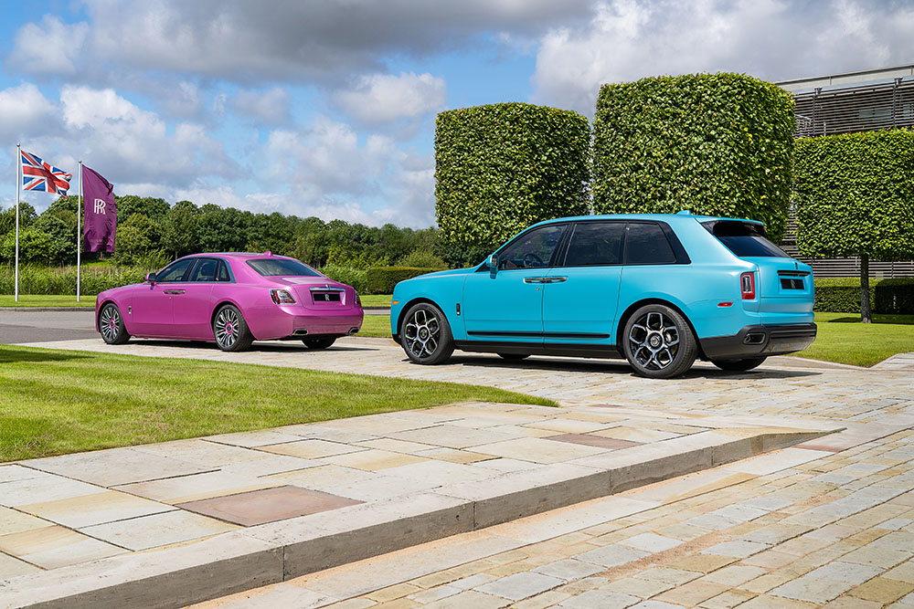 "Rolls-Royce Ghost màu ""Friskee Pink"" và Black Badge Cullinan màu ""Ice Turchese"""